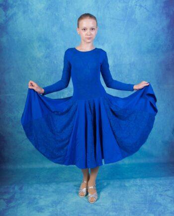 Роскошное рейтинговое платье с гипюровыми вставками